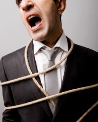 Bild eines gefesslten Managers, der dringend eine Manager-Haftfplicht benötigt